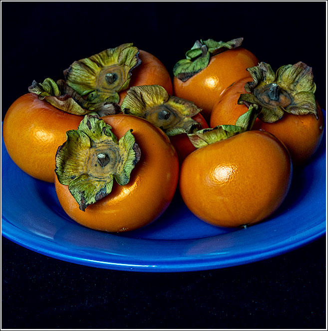 A-plate-full-of-Fuyu-persimmons