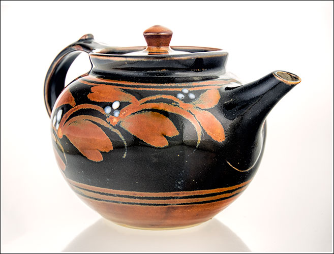 A beautiful teapot hand made by Derek Emms